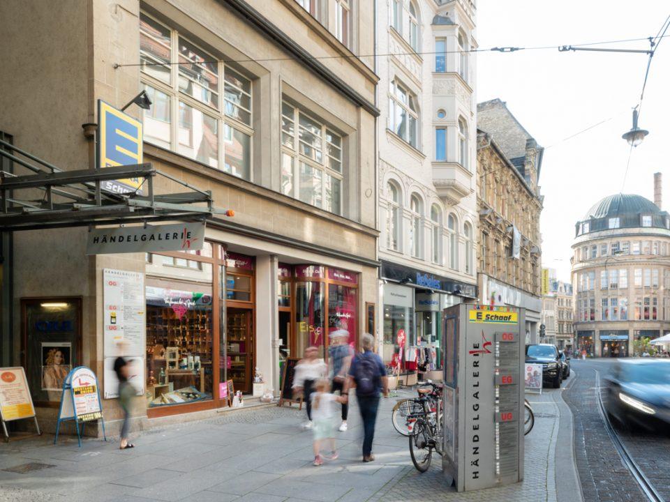 Blick auf Einkaufsstraße Große Ulrichstrasse Halle
